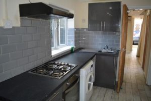 PROFESSIONAL HOUSE-SHARE DANIEL ST. OFF CRWYS RD ALL INCLUSIVE